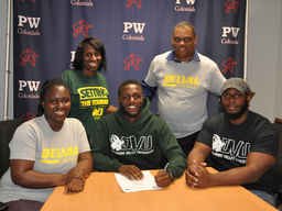 Dontae Williams to play football at Delaware Valley