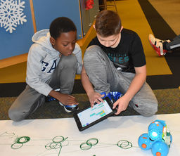 Students exercise creativity through programming robots